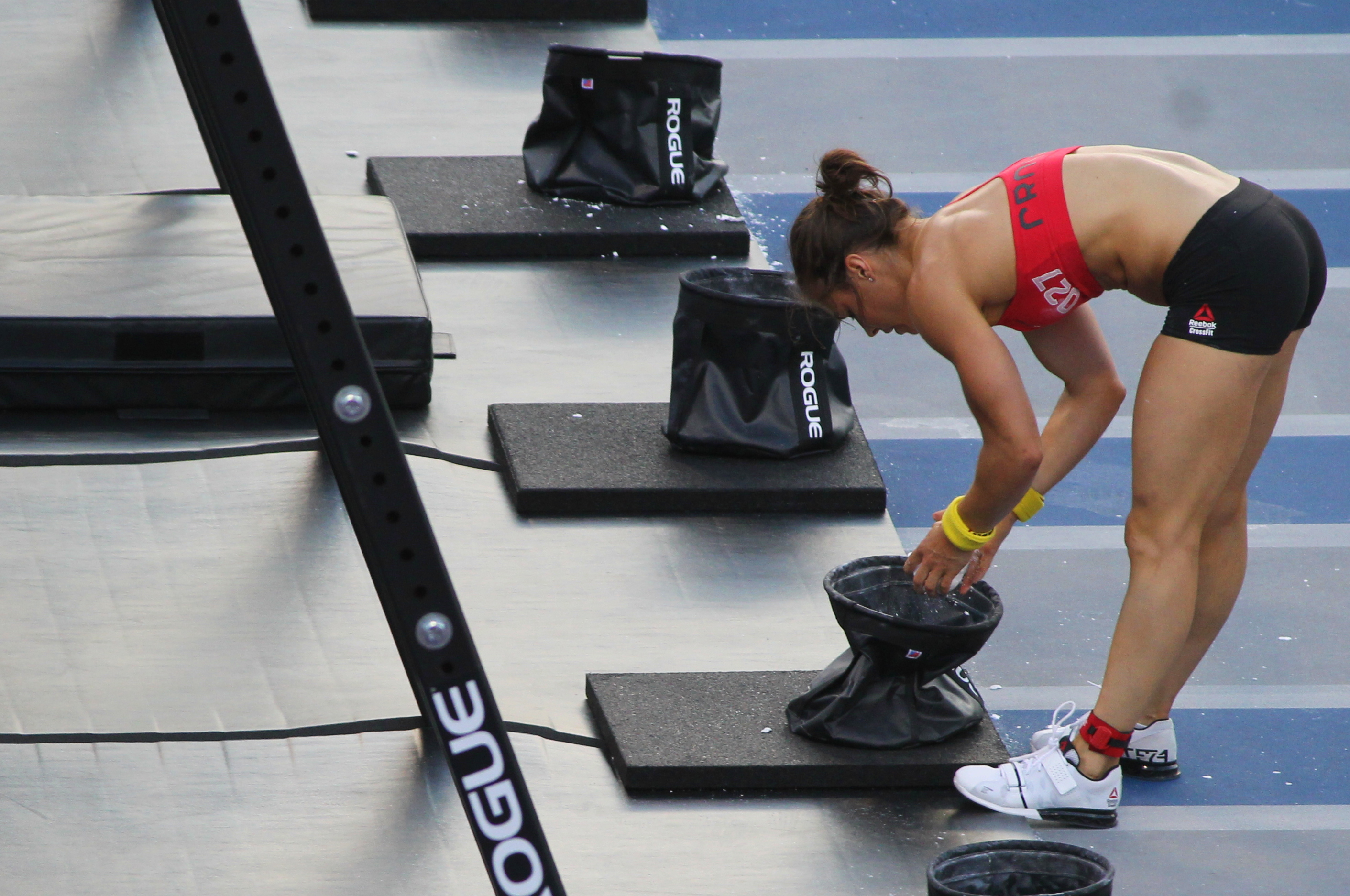 Julie Foucher before jumping on the last bar.